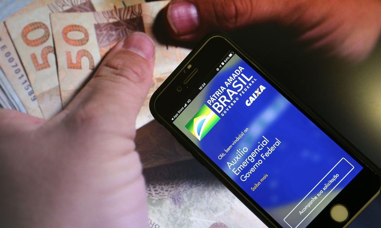 Ao todo, 45,6 milhões de brasileiros são beneficiados pela nova rodada do auxílio emergencial Foto: Marcello Casal Jr/Agência Brasil