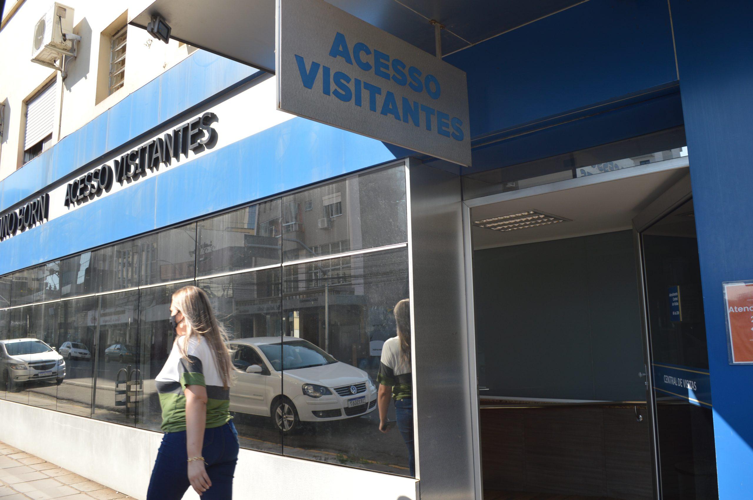 Interno de clínica em Viamão visita mãe no HBB e tenta fugir